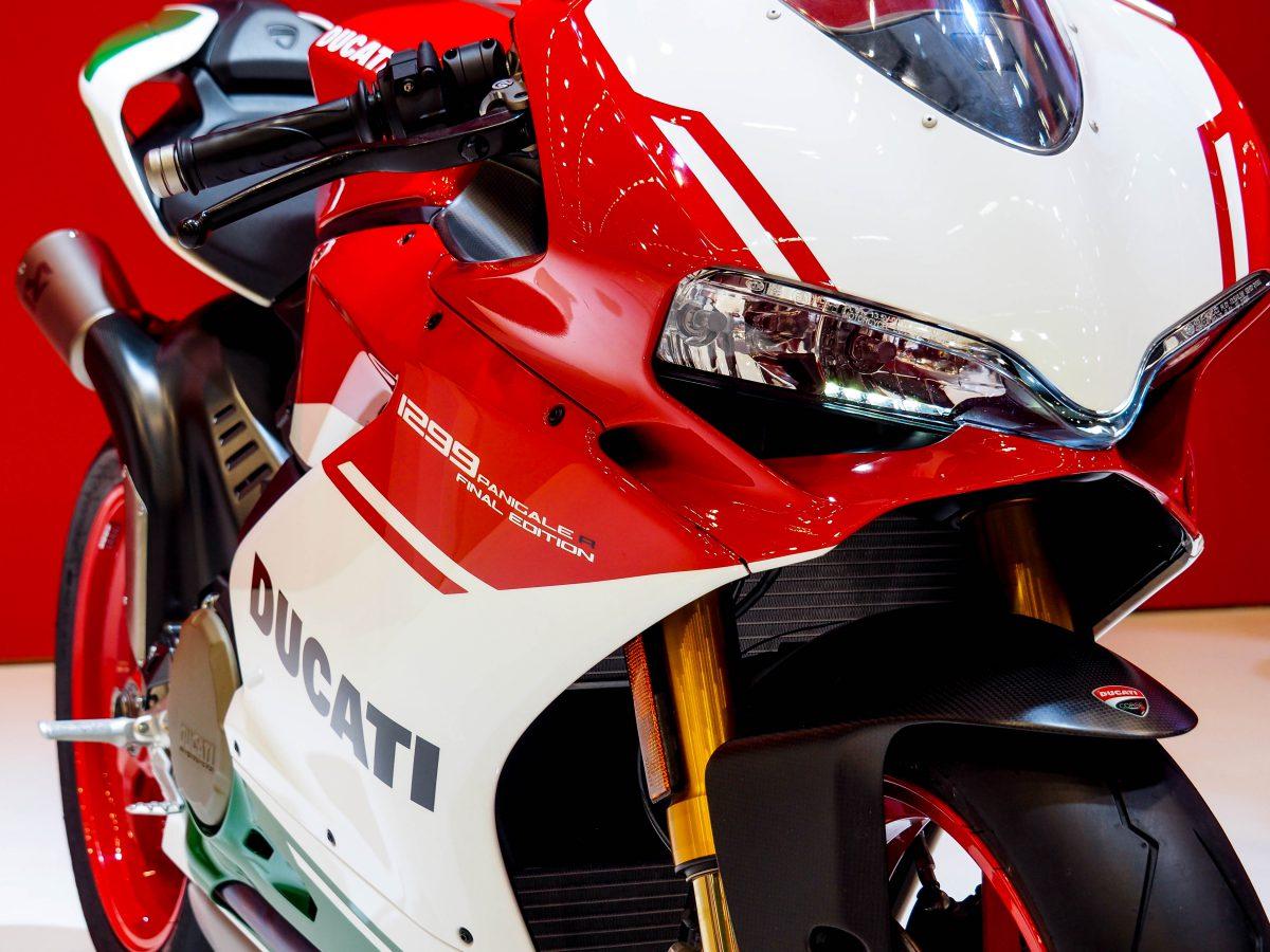 Rückblick auf die Intermot Motorradmesse und die präsentierten Motorrad-Neuheiten. Welche Neuheiten erwarten Motorradfahrerinnen. Intermot Termin 2020.