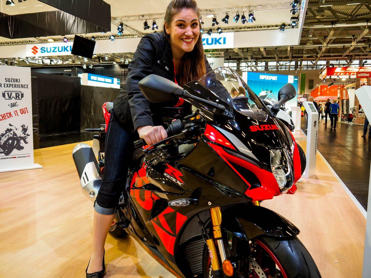 Rückblick auf die Intermot Motorradmesse und die präsentierten Motorrad-Neuheiten. Welche Neuheiten erwarten Motorradfahrerinnen. Inkl. Termin 2020.