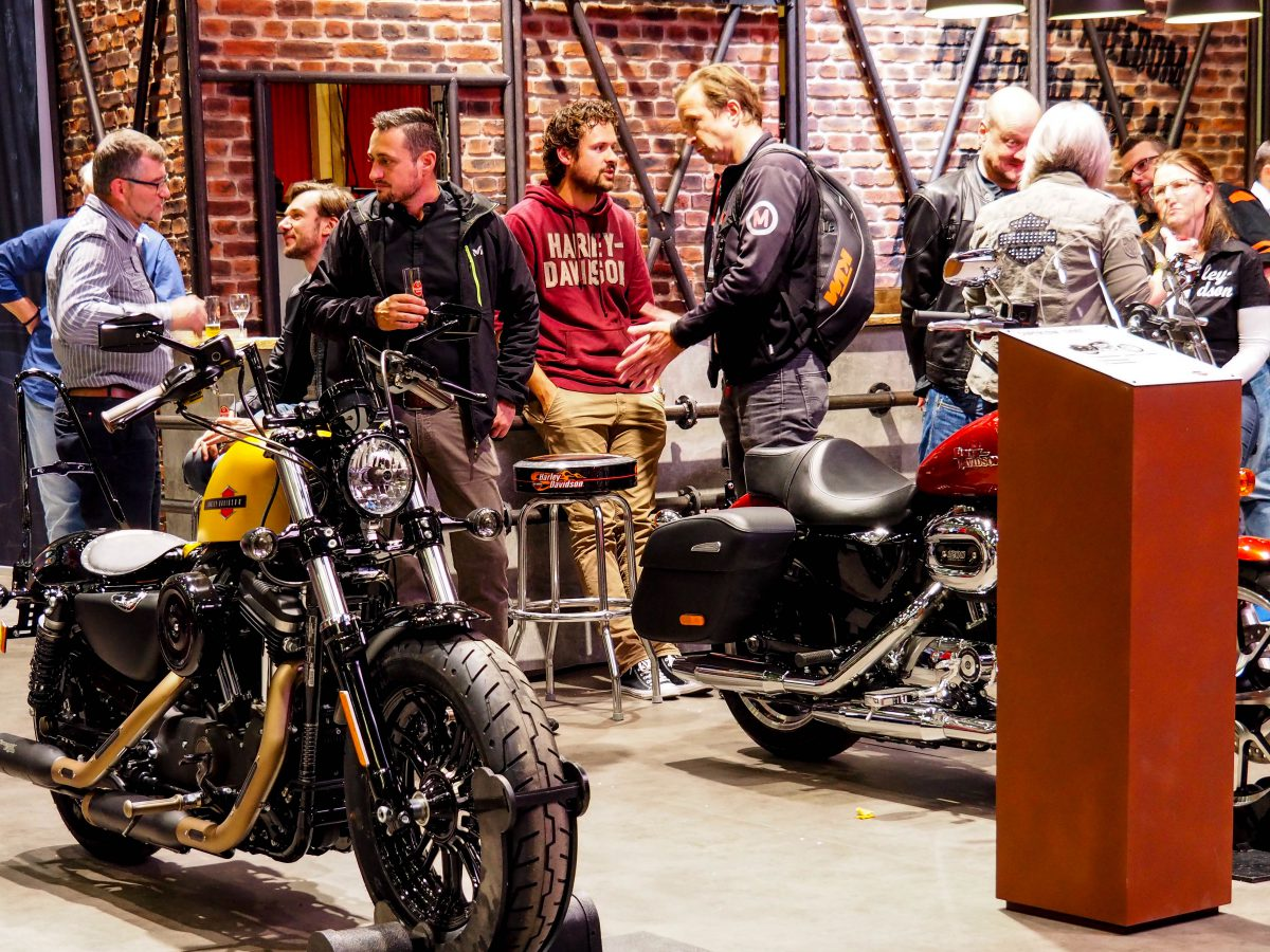 Rückblick auf die Intermot Motorradmesse. Welche Neuheiten erwarten Motorradfahrerinnen. Intermot Termin 2020.