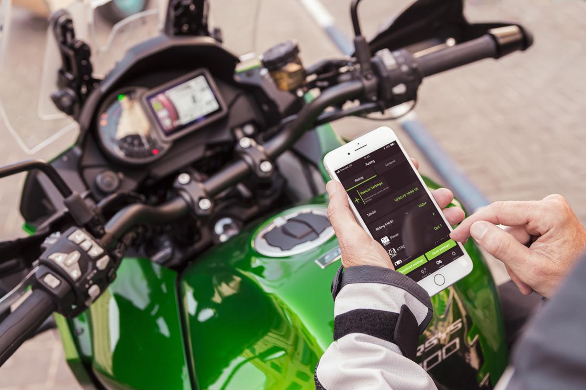 Kawasaki-Versys-1000-Smartphone-App-RIDEOLOGY