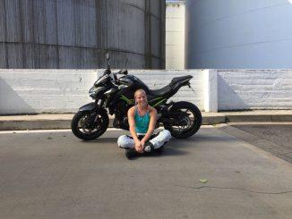Kawasaki-z900-motorrad-she-is-a-rider
