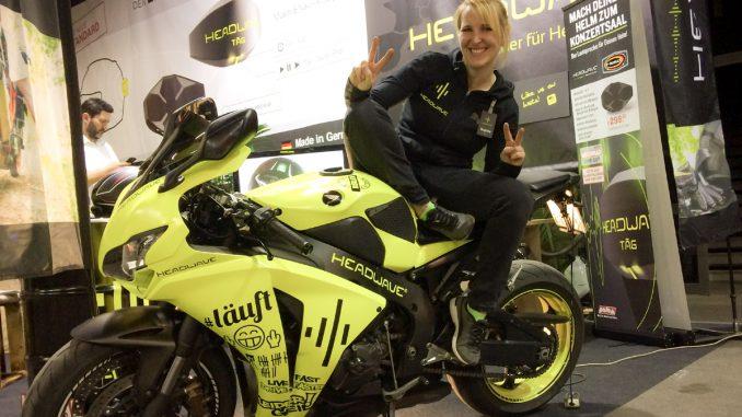 Sophie-Rider-of-the-Week-Headwave-Honda-BMT