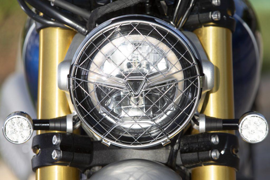 Triumph-Scrambler-1200-LED-Scheinwerfer-SHE-is-a-RIDER