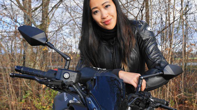 SHE-is-a-RIDER-Mishugga-Kawasaki-z650