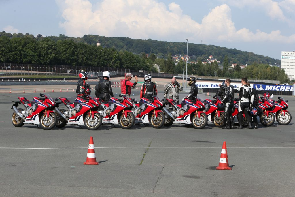 Sicherheitstraining-Rennstreckentraining-Honda-Fireblade-Sachsenring