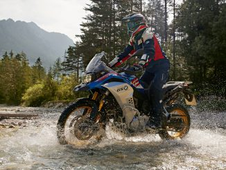 BMW-F850-GS-Adventure-durch-Fluss