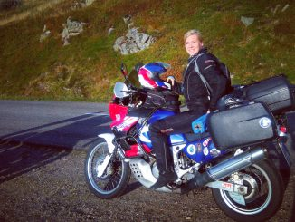 Caro-Unterwegs-Honda-Africa-Twin-SHE-is-a-RIDER