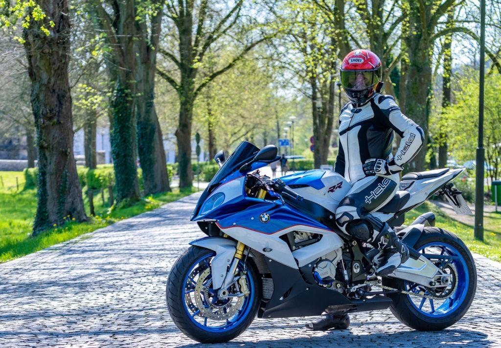 BMW-S1000RR-Held-Shoei