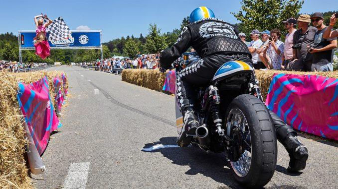 Motorradfahrerin-Triumph-Sprint-Glemseck-2019