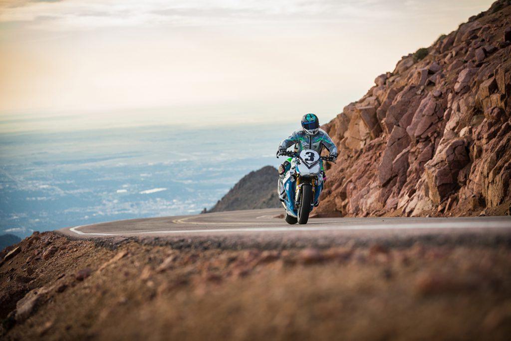 Pikes Peak-Wunderlich-BMW-S1000R-Lucy Gloeckner