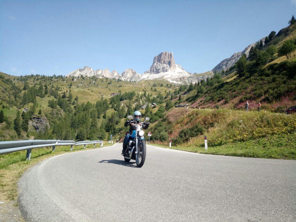 Harley Davidson in den Bergen