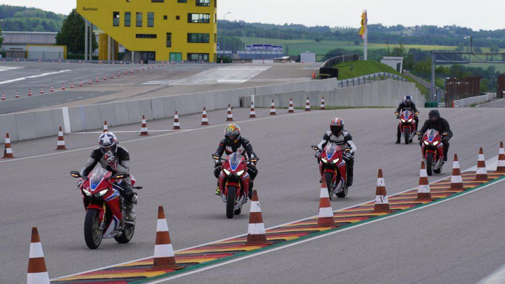 Fünf Fireblades starten am Sachsenring