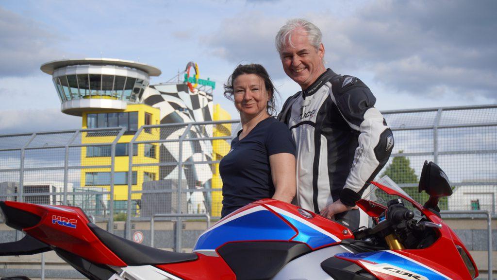 Uwe Waechtler Cheftrainer auf dem Sachsenring mit Bea