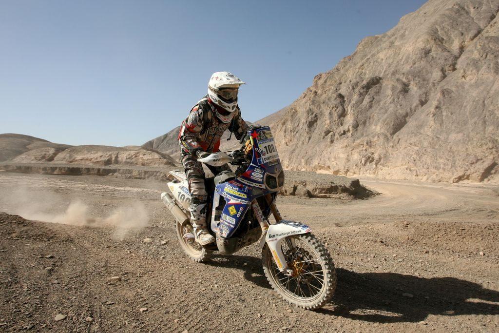 Tina Meier Offroadfahren auf Yamaha bei der Ralley Dakar