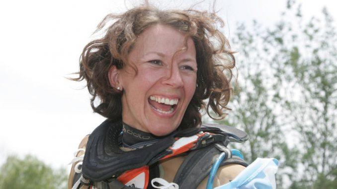 Tina Meier ist 4 Mal die Dakar gefahren und ist jetzt als Drannbleibexpertin Coach