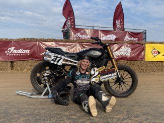 Indian-Fahrerin Leah Tokelove auf Platz zwei