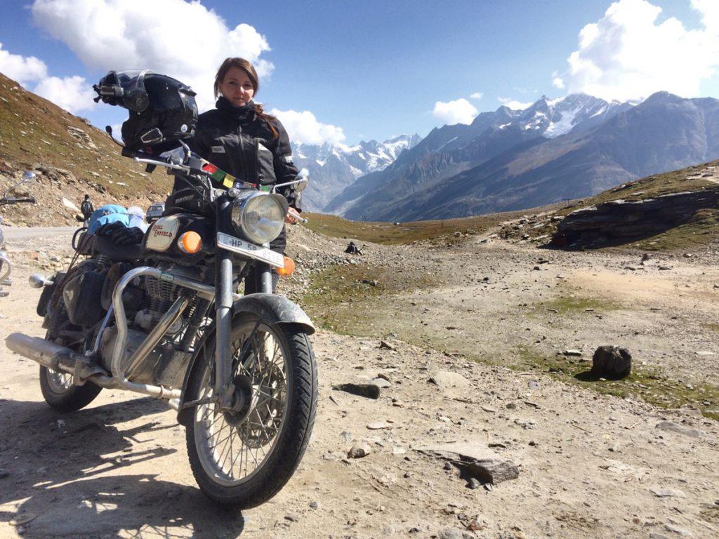 Auf SHE is a RIDER gibt es viele Frauen-Motorrad-Geschichten. Die beliebtesten Geschichten 2019 rund ums Motorrad, erzählt von Frau zu Frau. SHE is a RIDER.