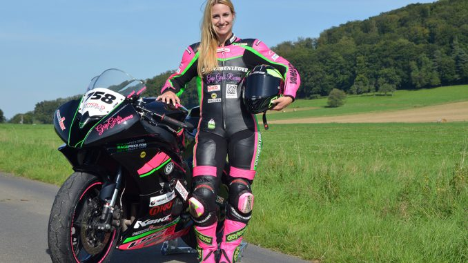 Sabrina Sabel und die Yamaha R6