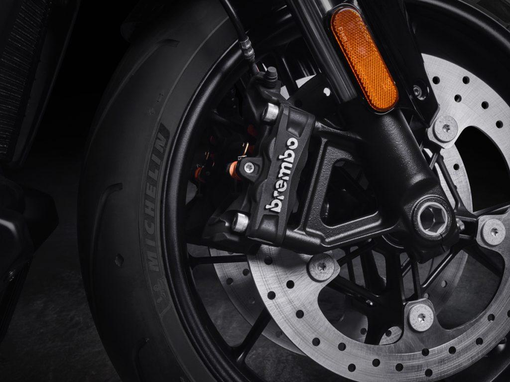 Harley Davidson Michelin und Brembo sind das starke Team für die Streetfighter und die Pan America.