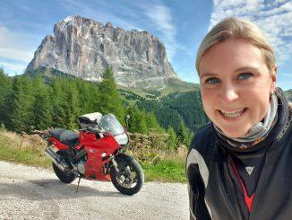 Rowi auf Motorradtour in die Dolomiten
