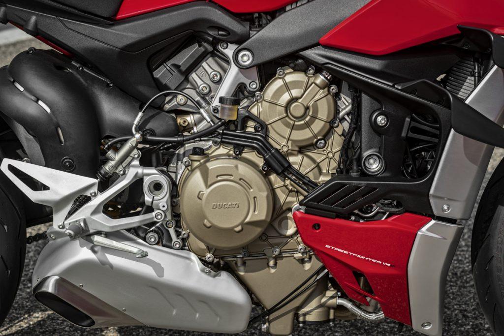 Ducati Streetfighter v$ Motor