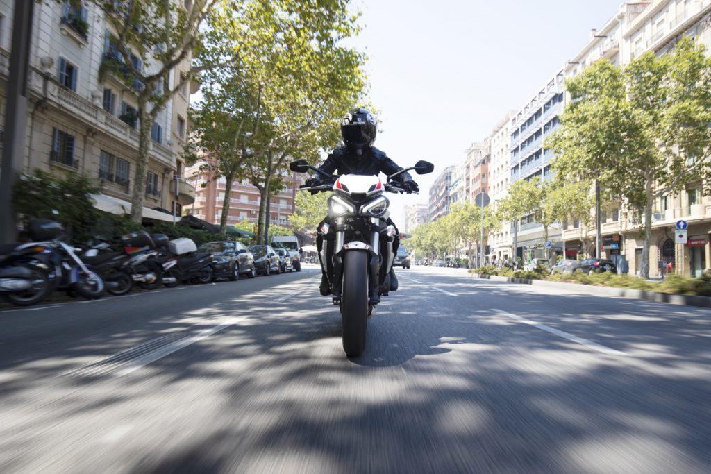Triumph Motorrad in der Stadt