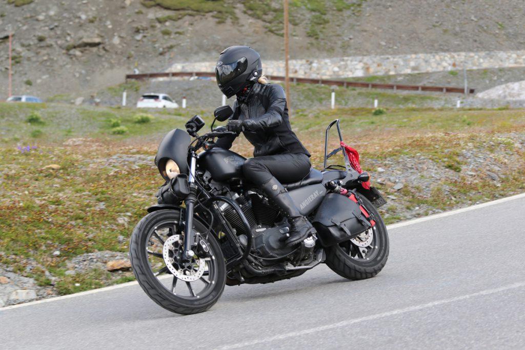 Mit der Harley Davidson Sportster über das Stilfser Joch. Kein Problem!