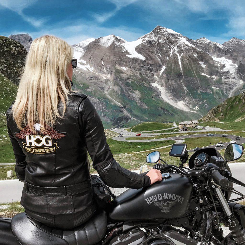 Motorradfahren in Österreich mit Blick auf Groß-Glockner