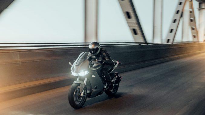 Zero SR/S ist das Elektromotorrad im Sporttourer-Design
