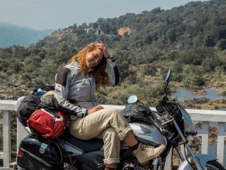 Auf Motorradtour durch asien auf einer Honda