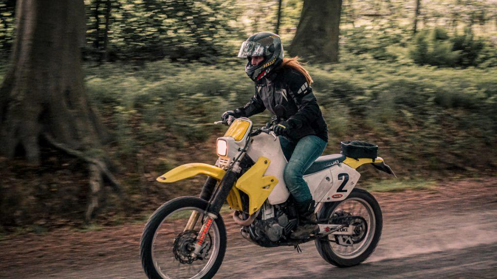 Offroad auf Motorradtour durch Asiens Dschungel
