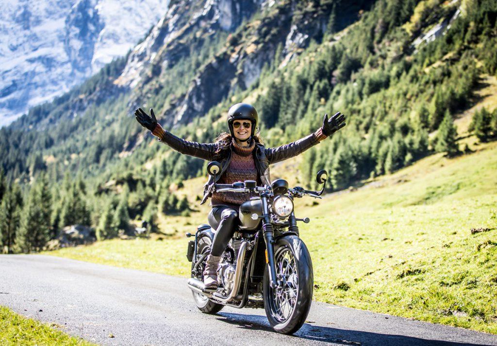 Motorradfahren verleiht dir ein Gefühl von Freiheit.