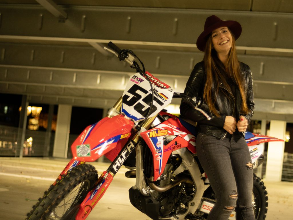 Kim Irmgartz Motorrad Shooting. Bild: MB-Mediaworld