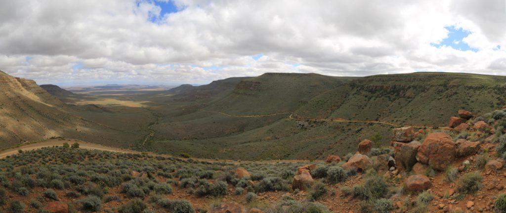 Ganaga Pass in Südafrika mit 45 Kurven.