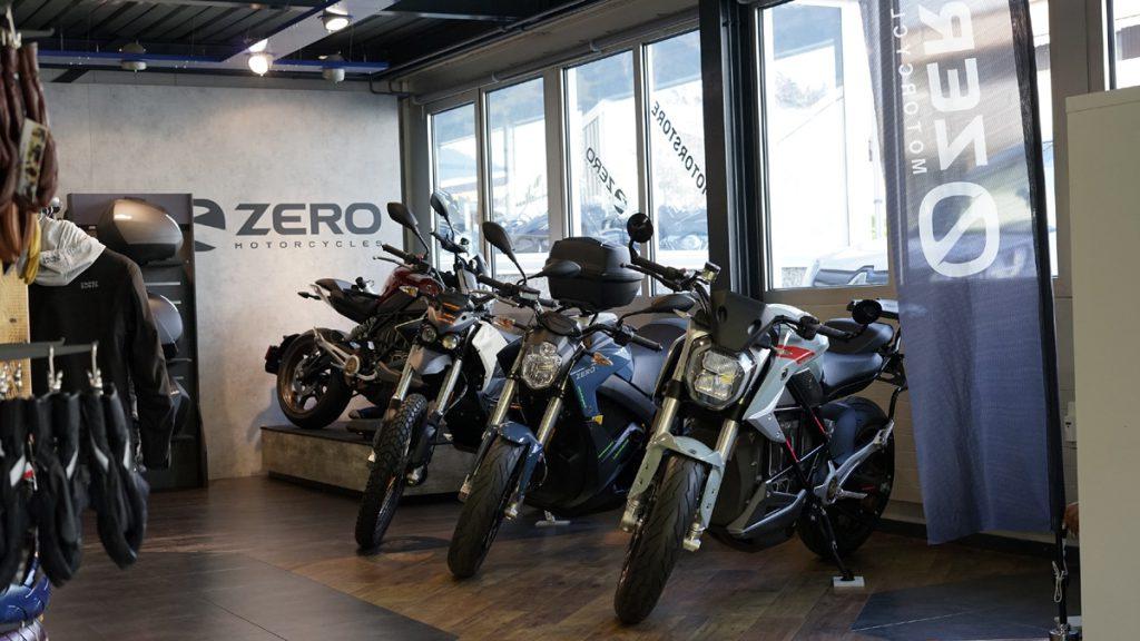 Zero Elektromotorrad bei Country Road Alpnach