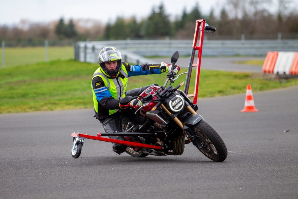 Honda Safety-Trainings mit dem Schräglagentrainer