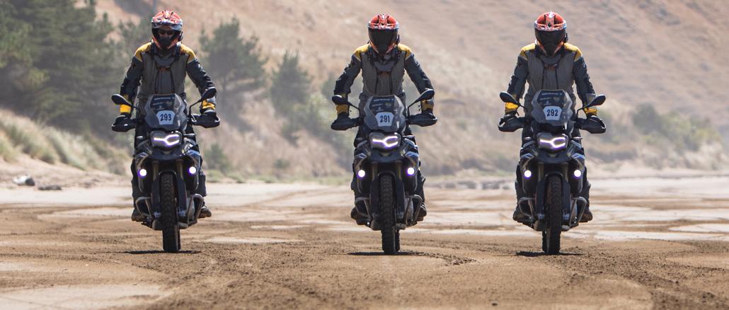 Motorradfahren am Strand von Neeuseeland