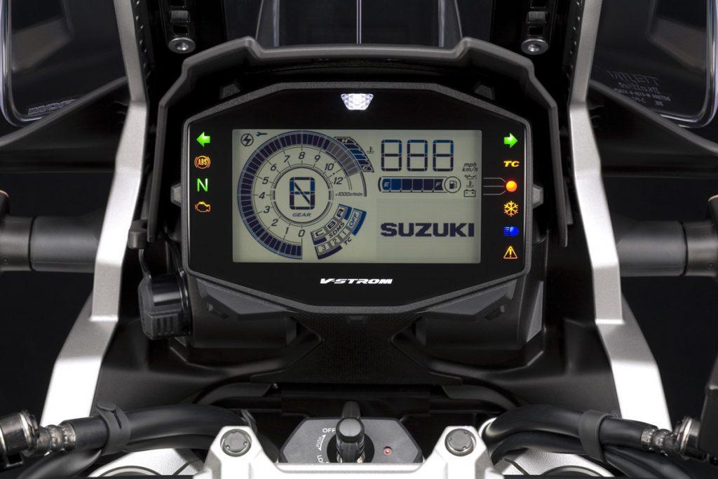 Suzuki V-Strom-1050 Cockpit mit LCD