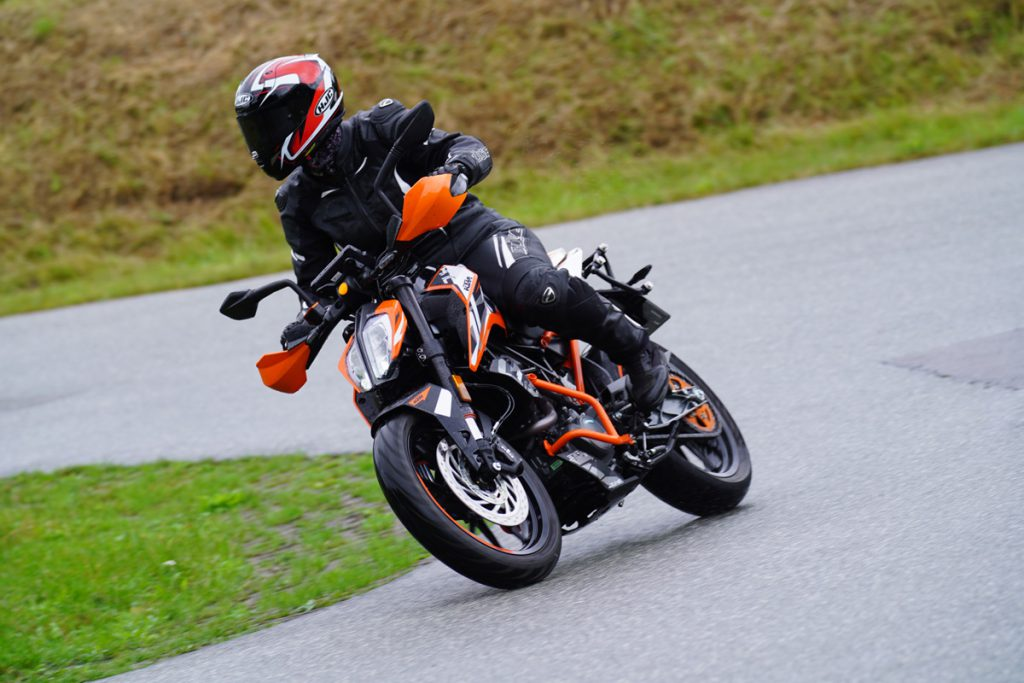 KTM Duke - Finja- Rider of the Week