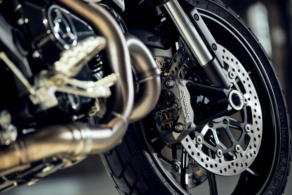 Kuven ABS mit Brembo Bremsen an der Ducati Scrambler