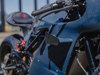 Zero Custombike auf Basis einer SRS und dan kam Deus Ex