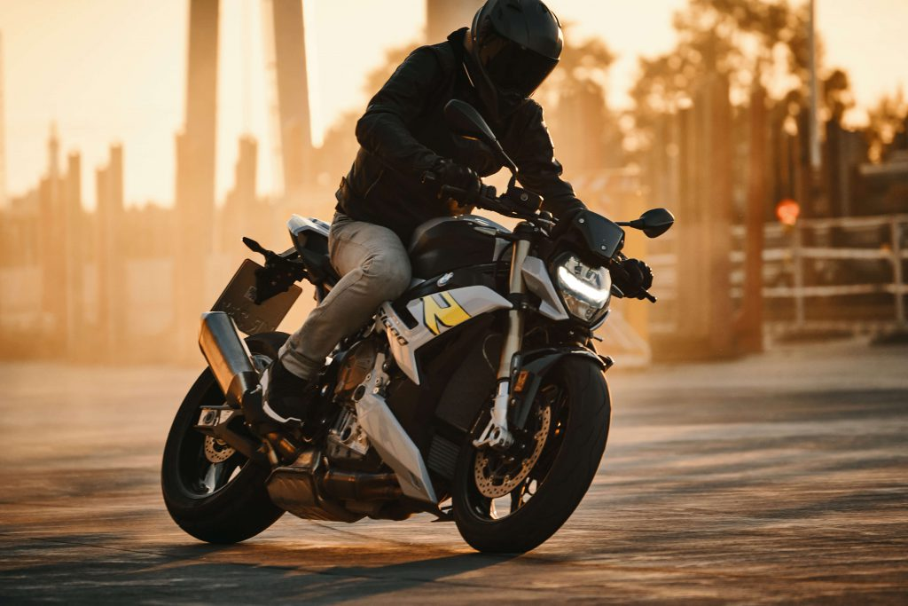 BMW Motorrad Sonnenuntergang