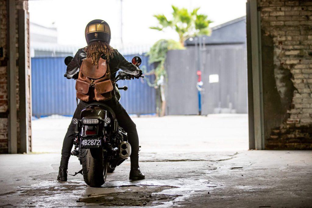 Motorrad mit Frau