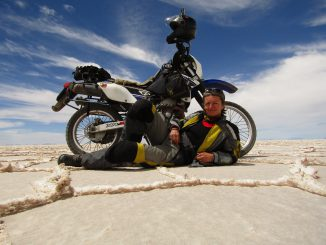 Judit in Bolivien mit der Suzuki