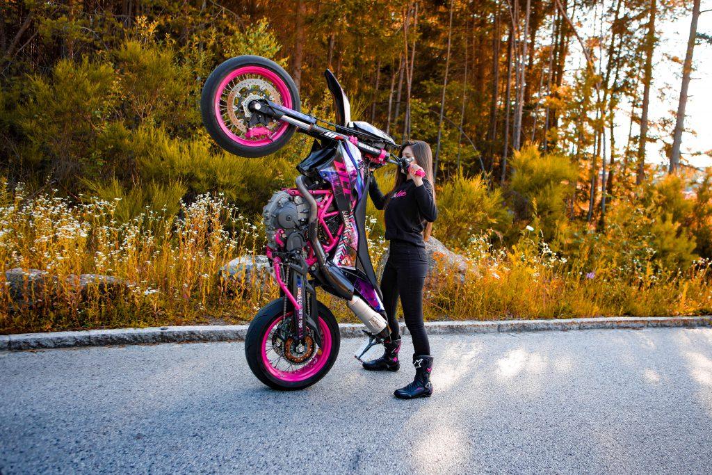 KTM für Stunts und kleine Straßentouren