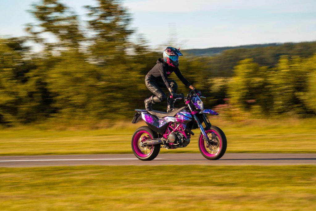 KTM Motorrad Stunts