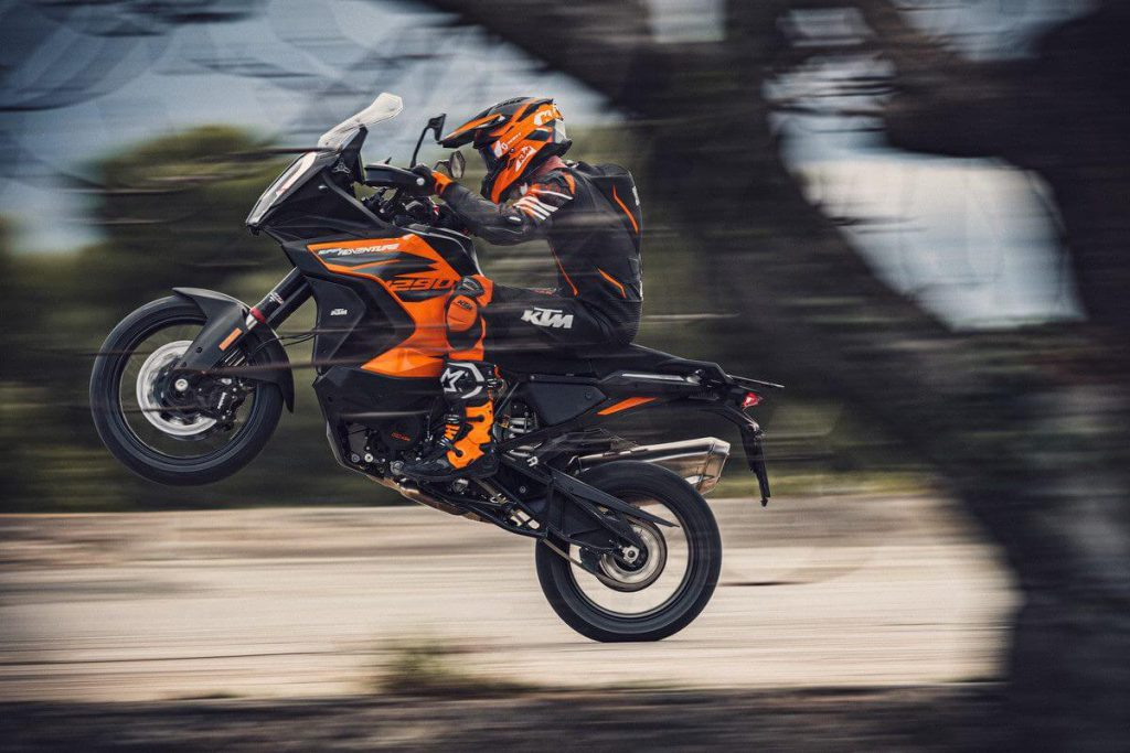 KTM 1290 Super Adventure für 2021 Wheelie