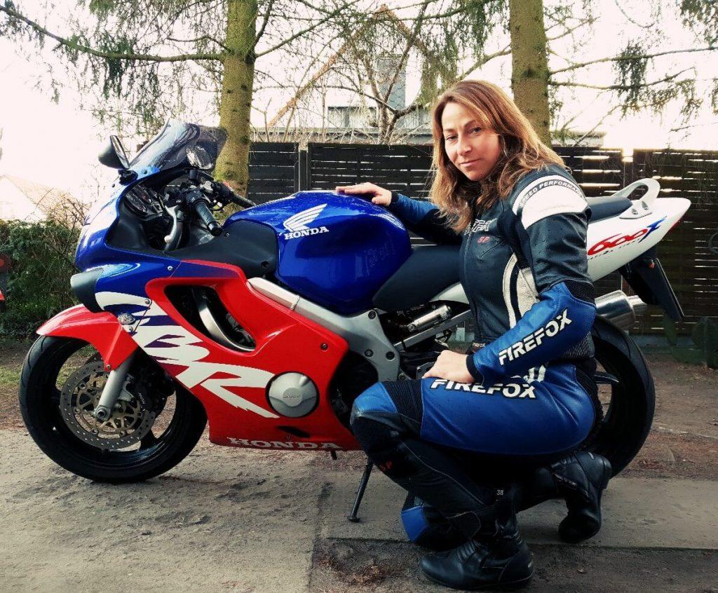 Honda CBR 600 F ist das Motorrad von Sabrina