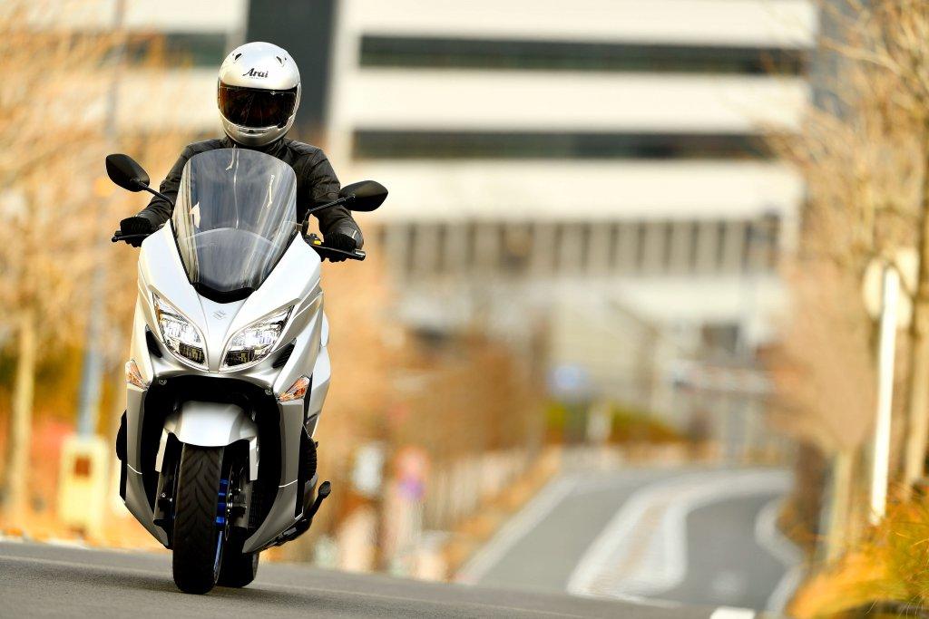 Burgman 400 ist der neue Motorroller von Suzuki