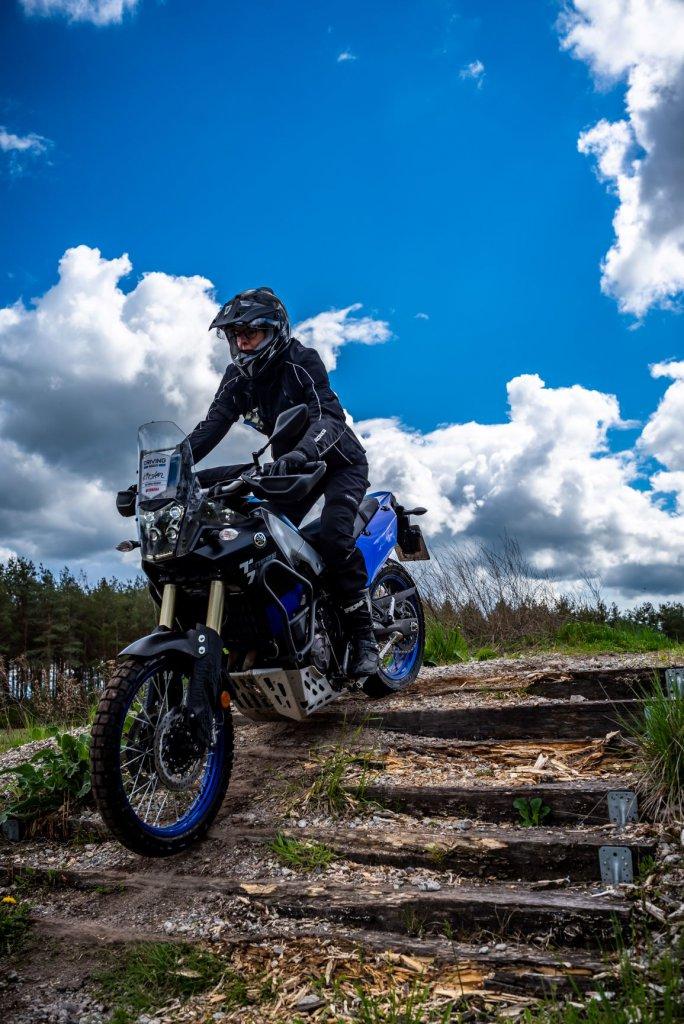 Offroad fahren oder Treppe runter mit dem Motorrad